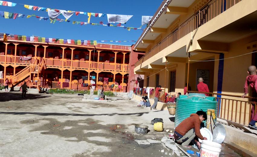 Trekking in Nepal: Lo Mantang - Tempel der Mandala