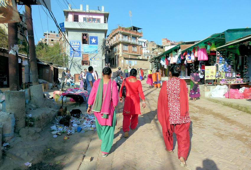 Nepal: mit der Propellermaschine den Himalaya entlang