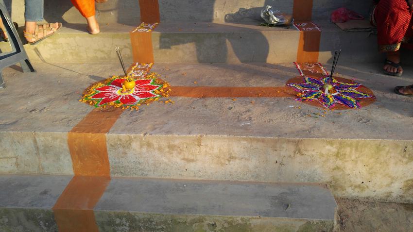 Nepal: Tika und Rangoli zum Lichterfest