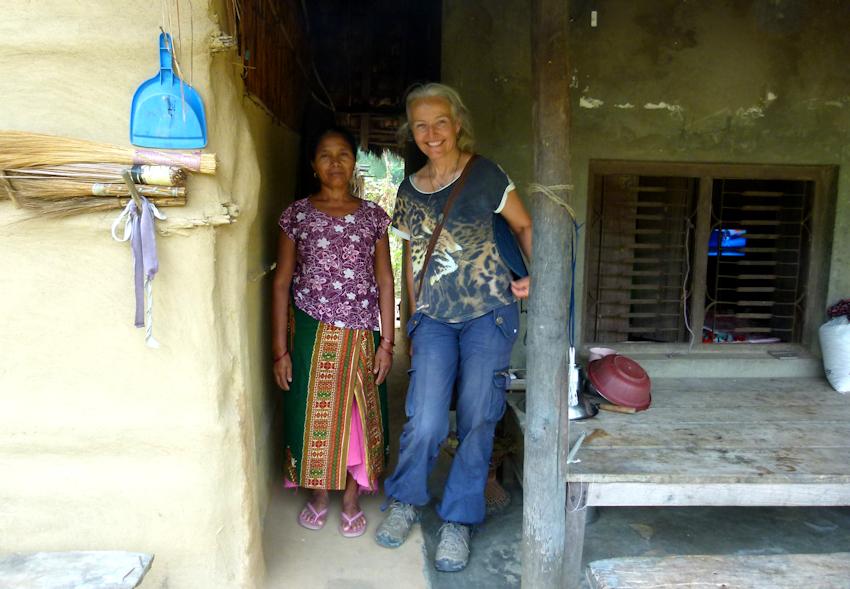 Nepal: Chitwan Nationalpark - die Tharu, Menschen des Waldes