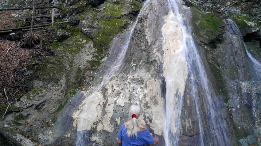 Wanderung ohne Auto: Wasserfälle rund um den Petersberg
