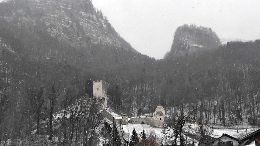 Winterwanderung ohne Auto: Vereiste Wasserfälle in der Wolfsschlucht