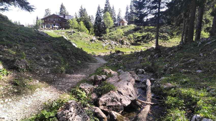 Tutzinger Hütte bei der Benediktenwand Durchquerung