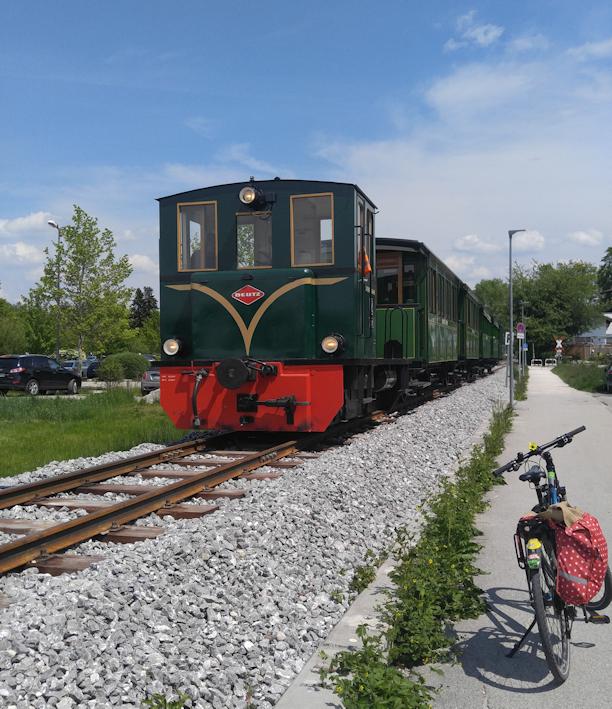 historische Chiemseebahn Radweg um den Chiemsee