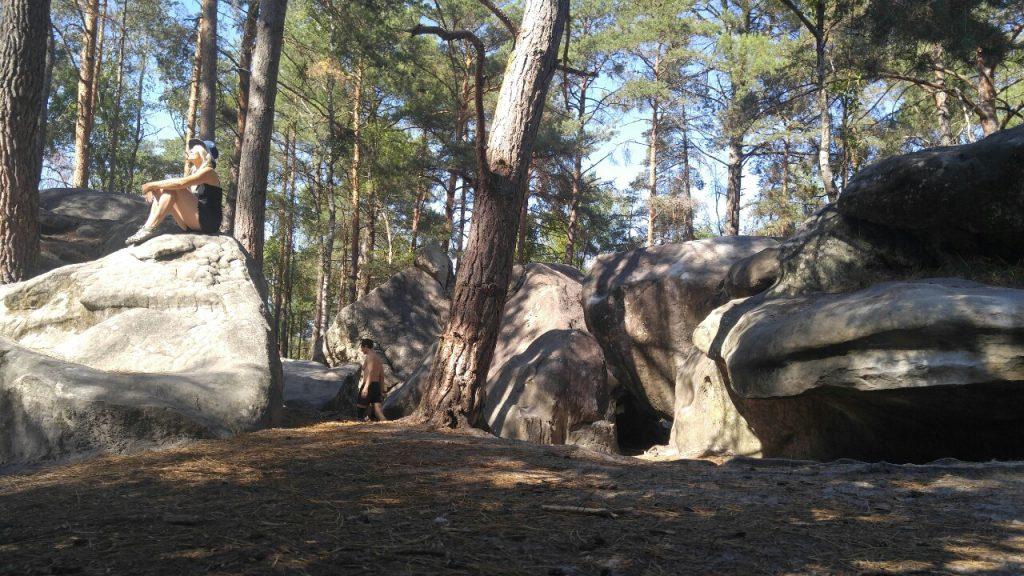 Felsen von Fontainebleau: das weltberühmte Bouldergebiet in der Nähe von Paris
