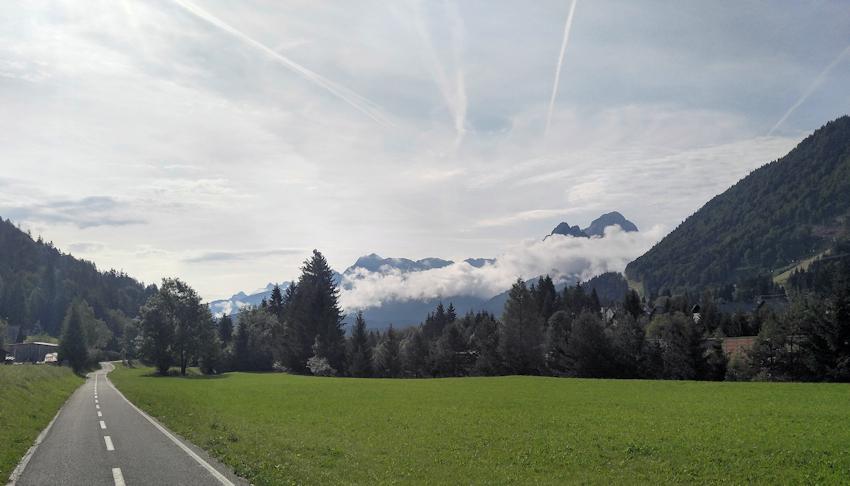 Julische Alpen bei Tarvis auf dem Alpe Adria Radweg