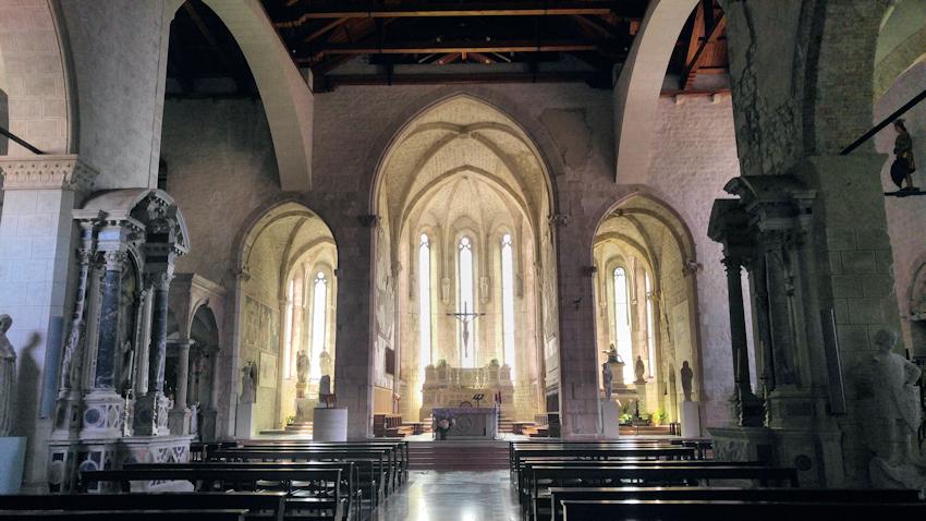 Dom des Heiligen Apostels Andreas Venzone Innenraum