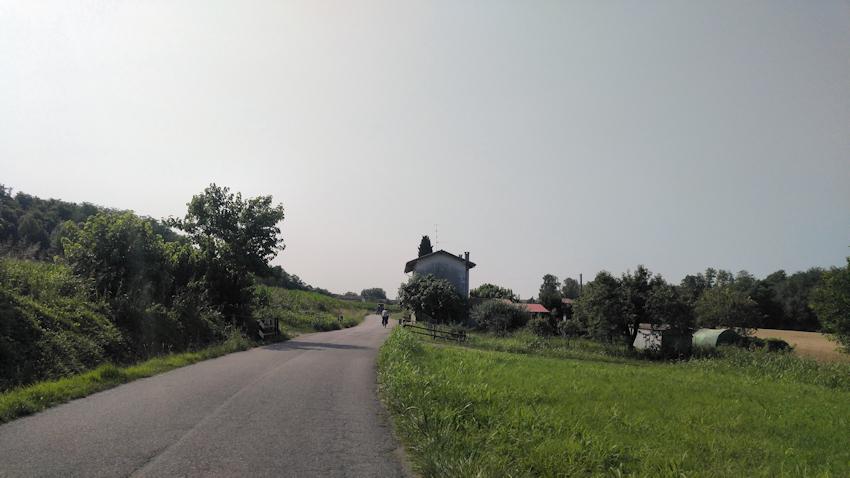 Radeln auf Nebenstraßen Richtung Udine