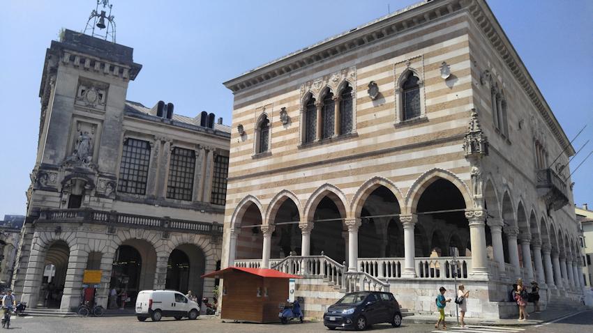 historische Altstadt Udine Loggia del Lionello