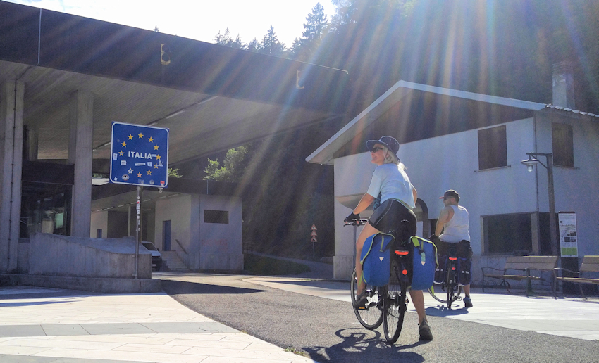 Alpe Adria Radweg Grenzübergang Italien
