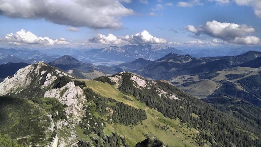 Wunderschöner Panorama Blick nach Südosten vom Gipfel des Wendelstein