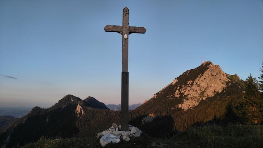 Gipfel der Kirchwand mit Wendelstein dahinter