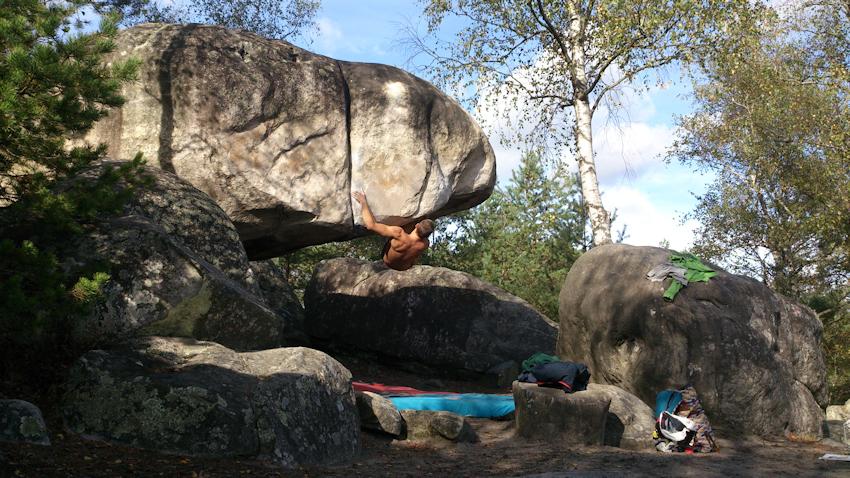 """""""L'autre Toit"""" Boulder in Cul de Chien, Fontainebleau"""