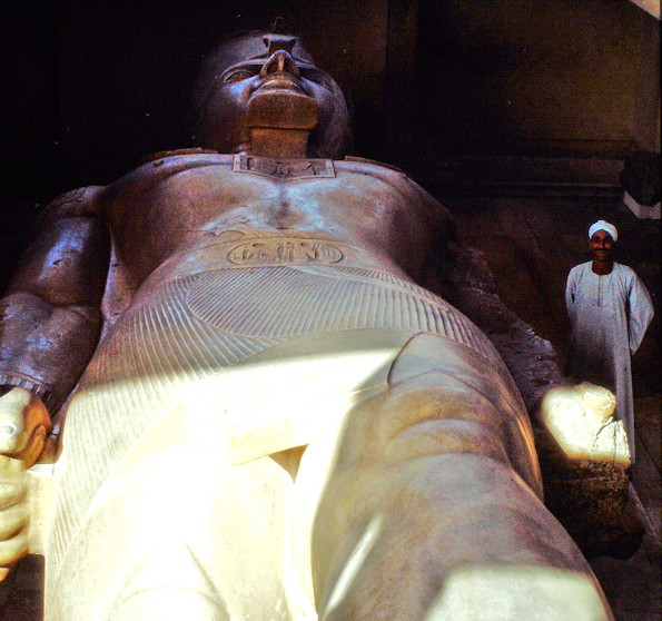 Koloss Ramses II in Memphis