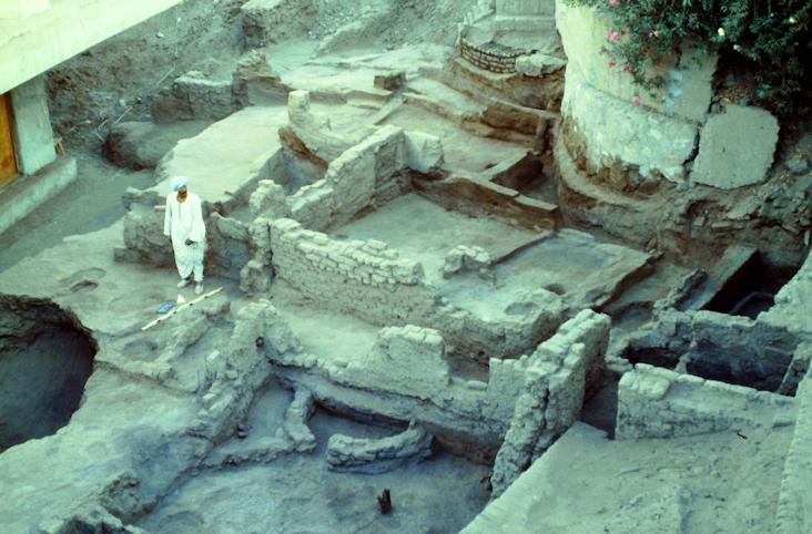 Mauern der alten Siedlung von Elephantine
