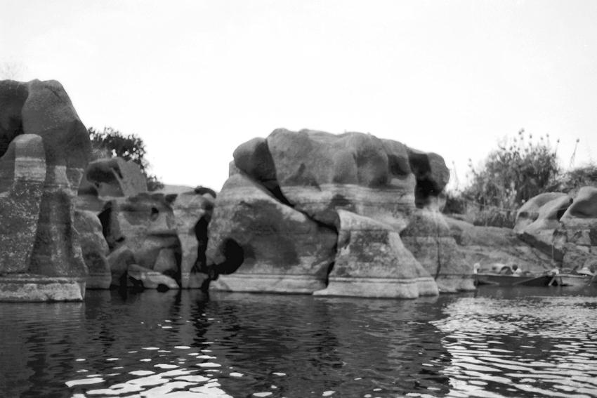 Felsenlandschaft im Nil