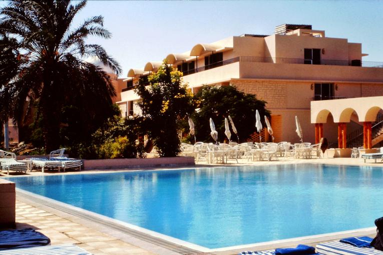 Pool Ruhetag im Club Med