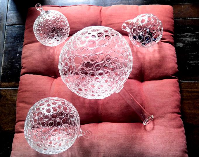 Gitterkugeln aus Glas