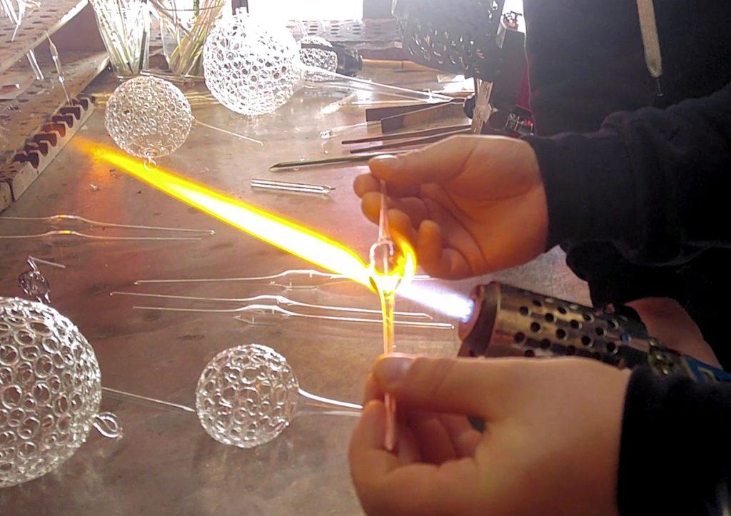 Glasrohrling in der Flamme erwärmen