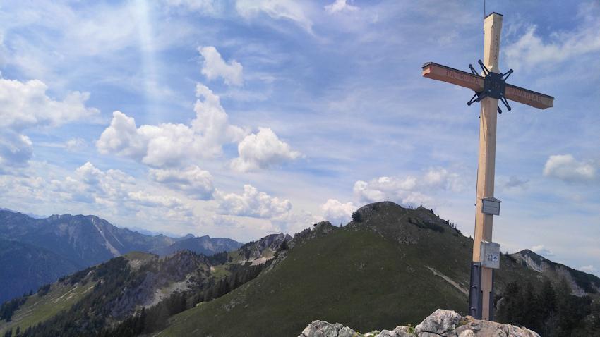 Am Gipfel der Kaserwand mit Blick zum Wildalpjoch