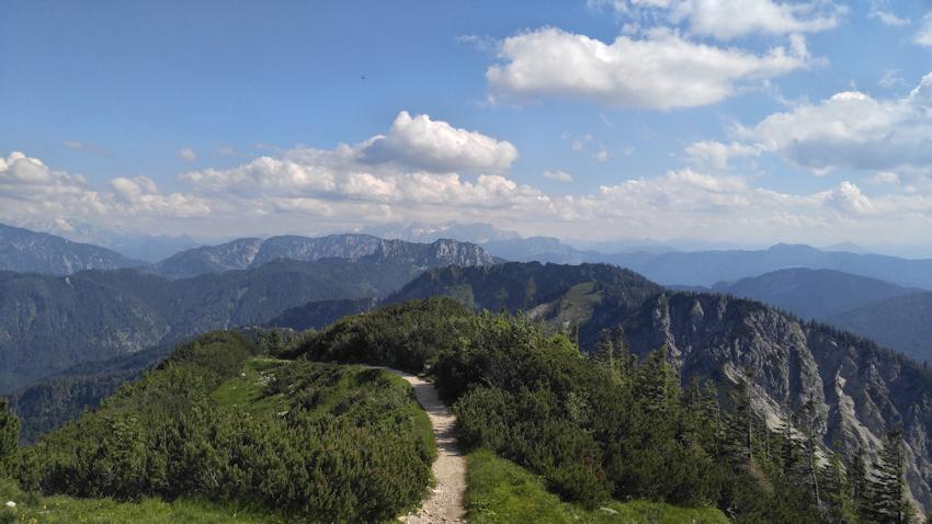 Wanderung vom Hochfelln Gipfel zum Hochgern