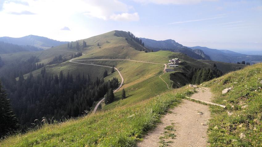 Abwechslungsreiche Wanderung von der Tegernseer Hütte über Roßstein, Hochplatte, Seekarkreuz und Grasleitenkopf nach Lenggries